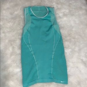 Nike Fit Dry XS/S workout tank